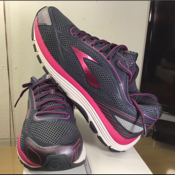 Womens Dyad 9 Running Sneakers | Poshmark